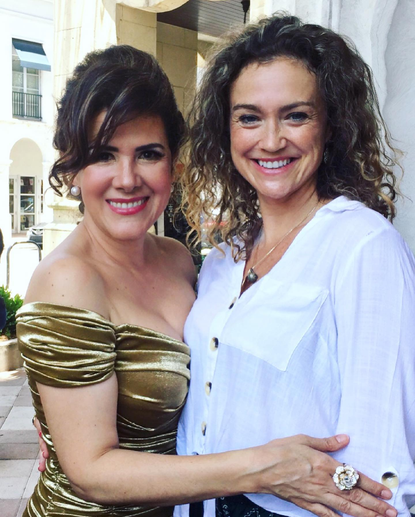 Rosalinda y Angela.jpg