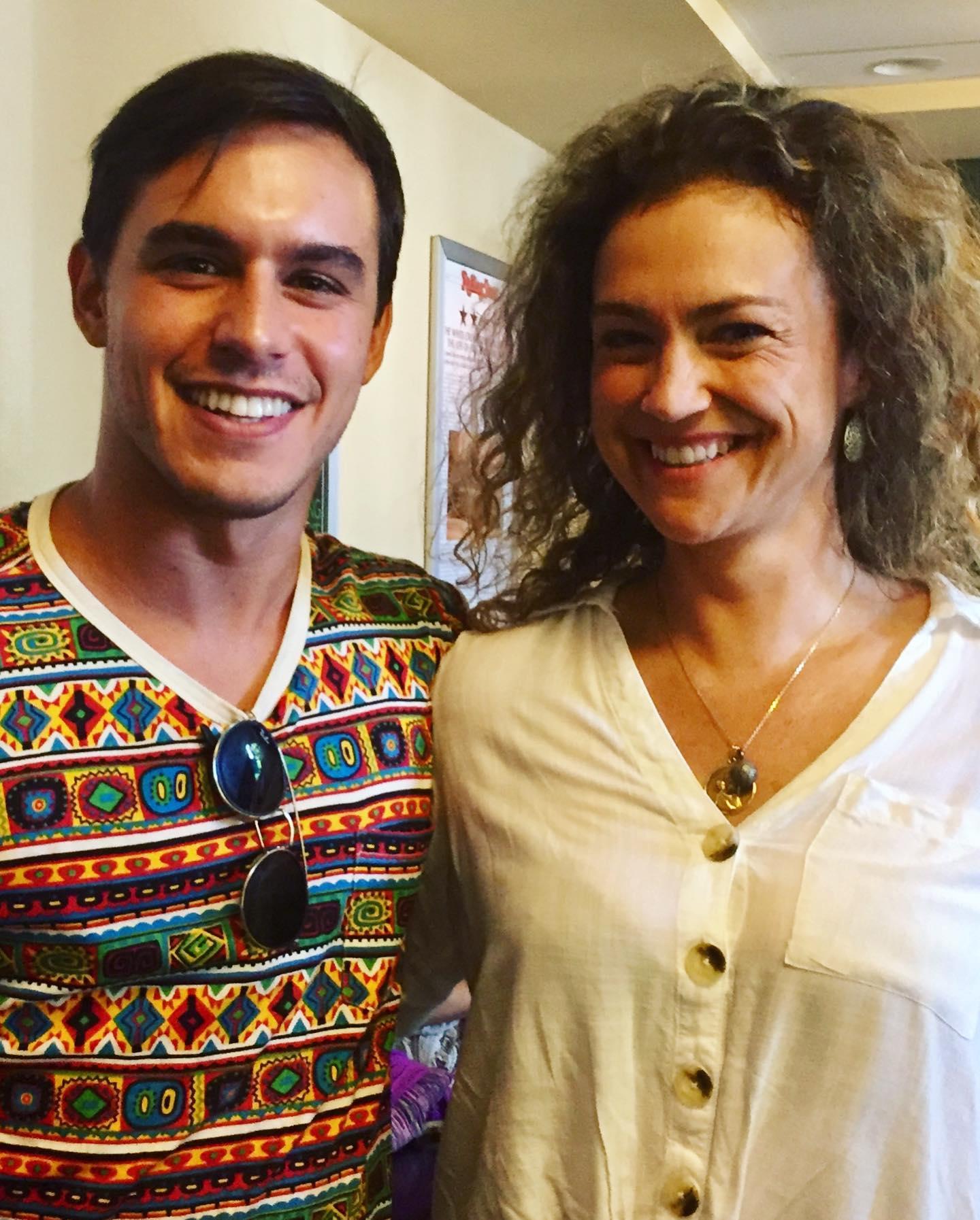 Angela y Theo.jpg