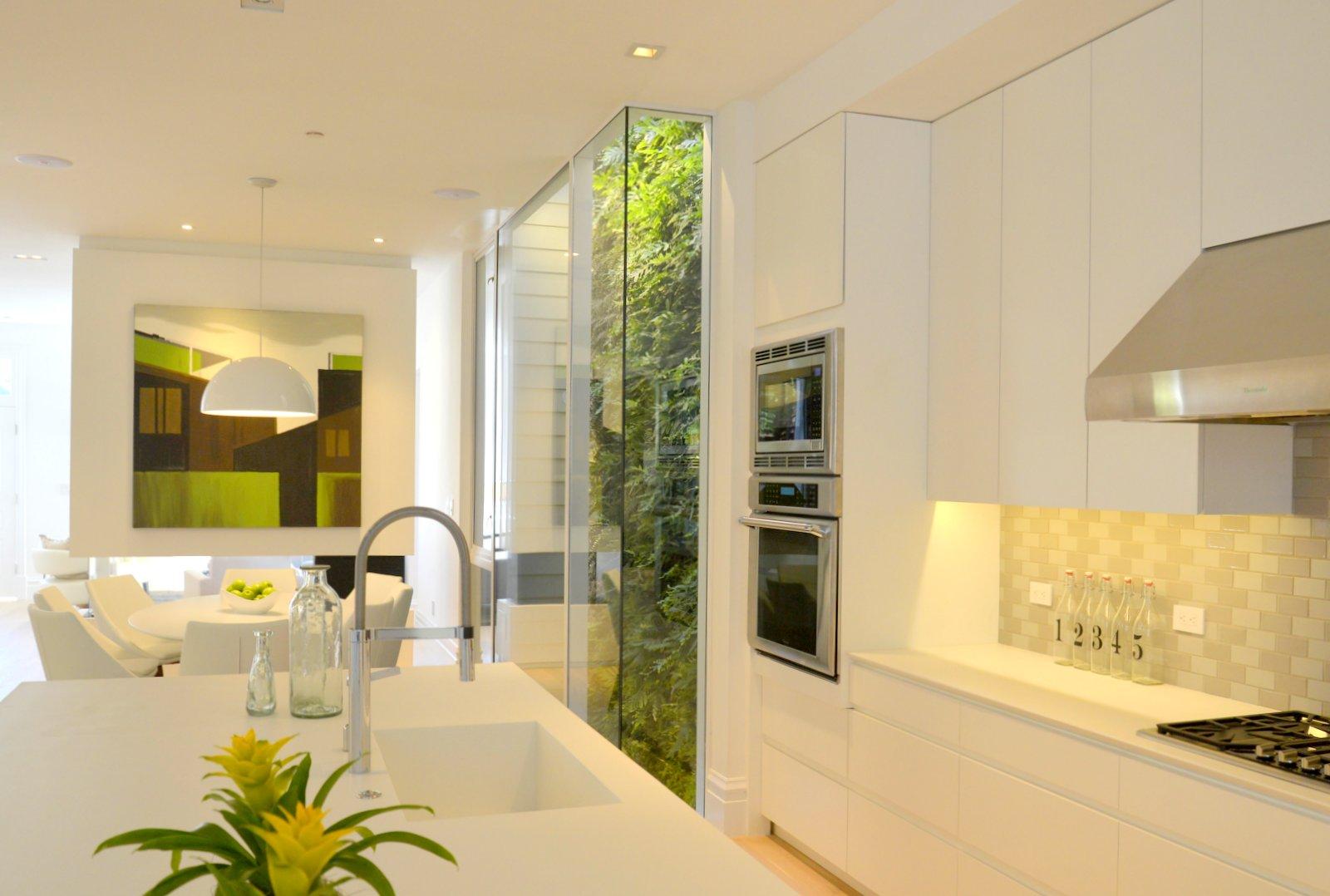 Florafelt-Vertical-Garden-Living-Wall-Belevedere-Street-03-_CJB3476.JPG