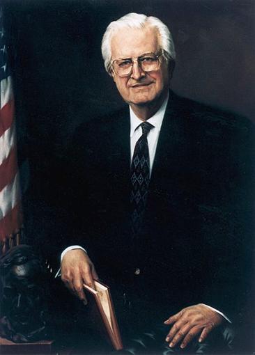 Senator-Henry-Hyde-Del-Priore-Portrait.jpg