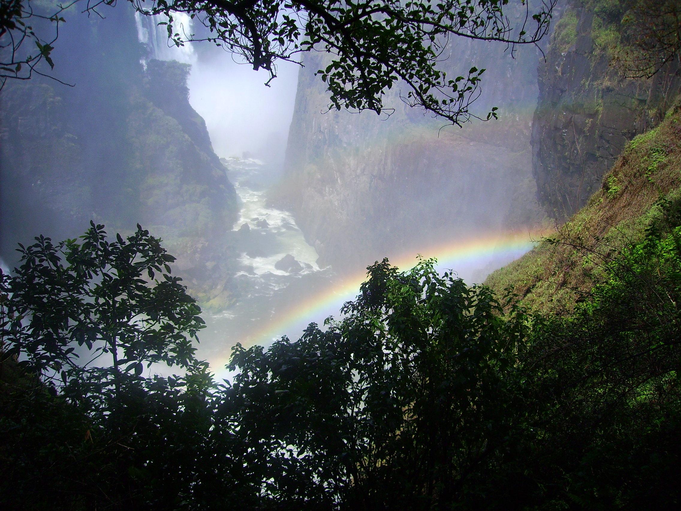 Photo by  Katxijasotzaile ,Rainbow at Victoria Falls.[Public domain], via Wikimedia Commons