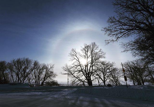 Sundog over Lake Bemidji. According to the National Weather Service, it was 33 below when I snapped this at 9 this morning. • • #sundog #lakebemidji #bemidji #polarvortex #nationalweatherservice #minnesota #capturemn #exploremn