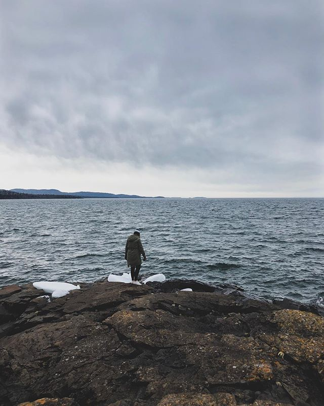 """Yearly """"spring"""" trip to the North Shore to remind myself to slow down. And that I'm small and my worries are even smaller. 📷: @sonnymanjohnson #hollowrock #minnstagram #northshore #grandportage"""