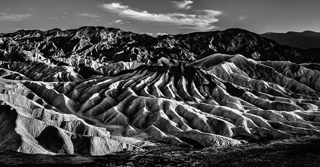 || Bienvenue à Mars // Ласкаво просимо на Марс // Welcome to Mars || #Mojave #deserts #desertsunset #DeathValley #California #natureporn #nationalparks #mountains #gorgeous #landscape #bw #bnw #blackandwhite #instablackandwhite #awesome_photographers #roamtheplanet #beautifuldestinations #nothingisordinary #exploreeverything #earthfocus #WeLiveToExplore #eclectic_shotz @amy_yuang #instatravel #photooftheday #travel #energy #VSCO #vscoph #matviyenko #neontie