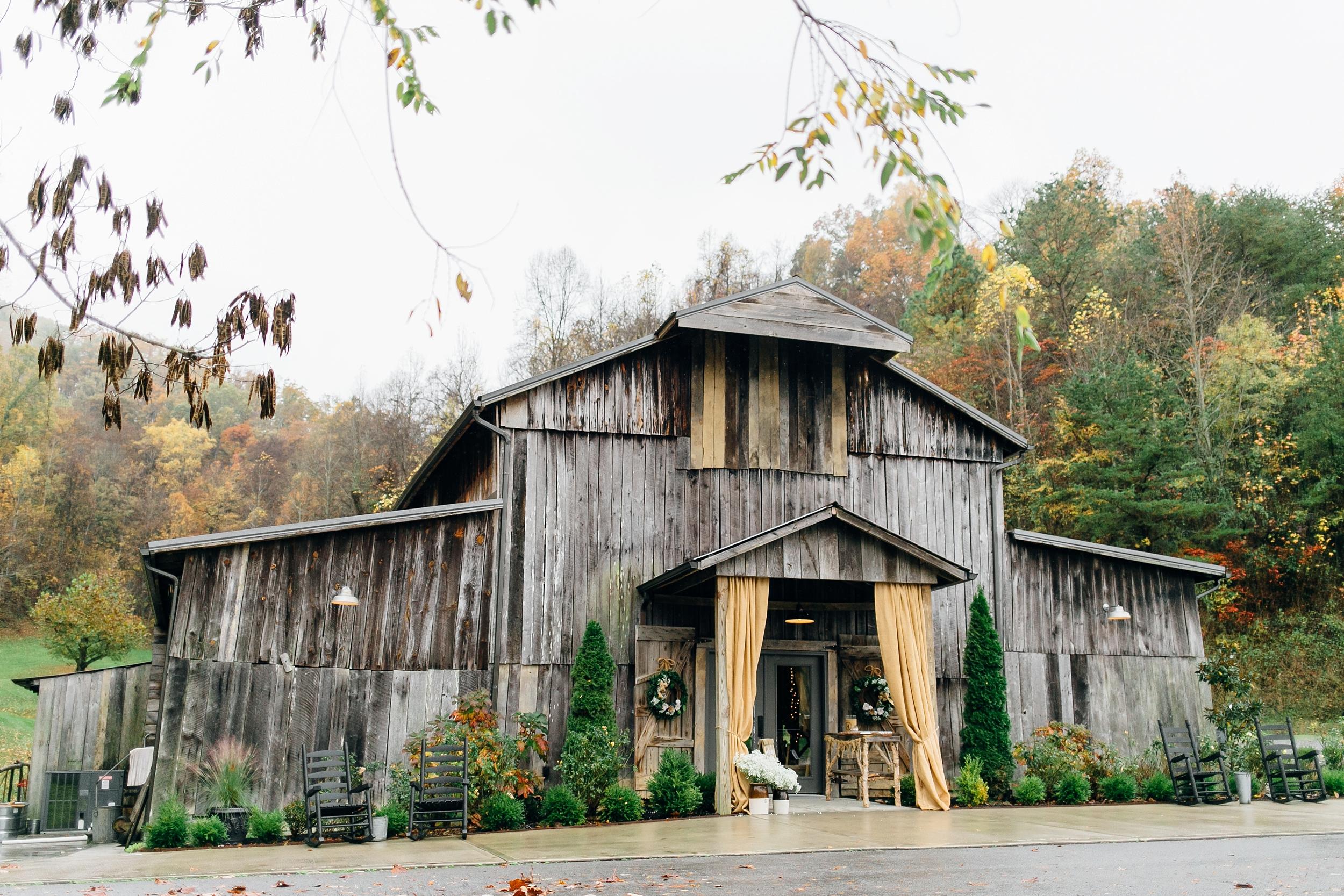 LC-3085_Knoxville-Wedding-Photographer.jpg