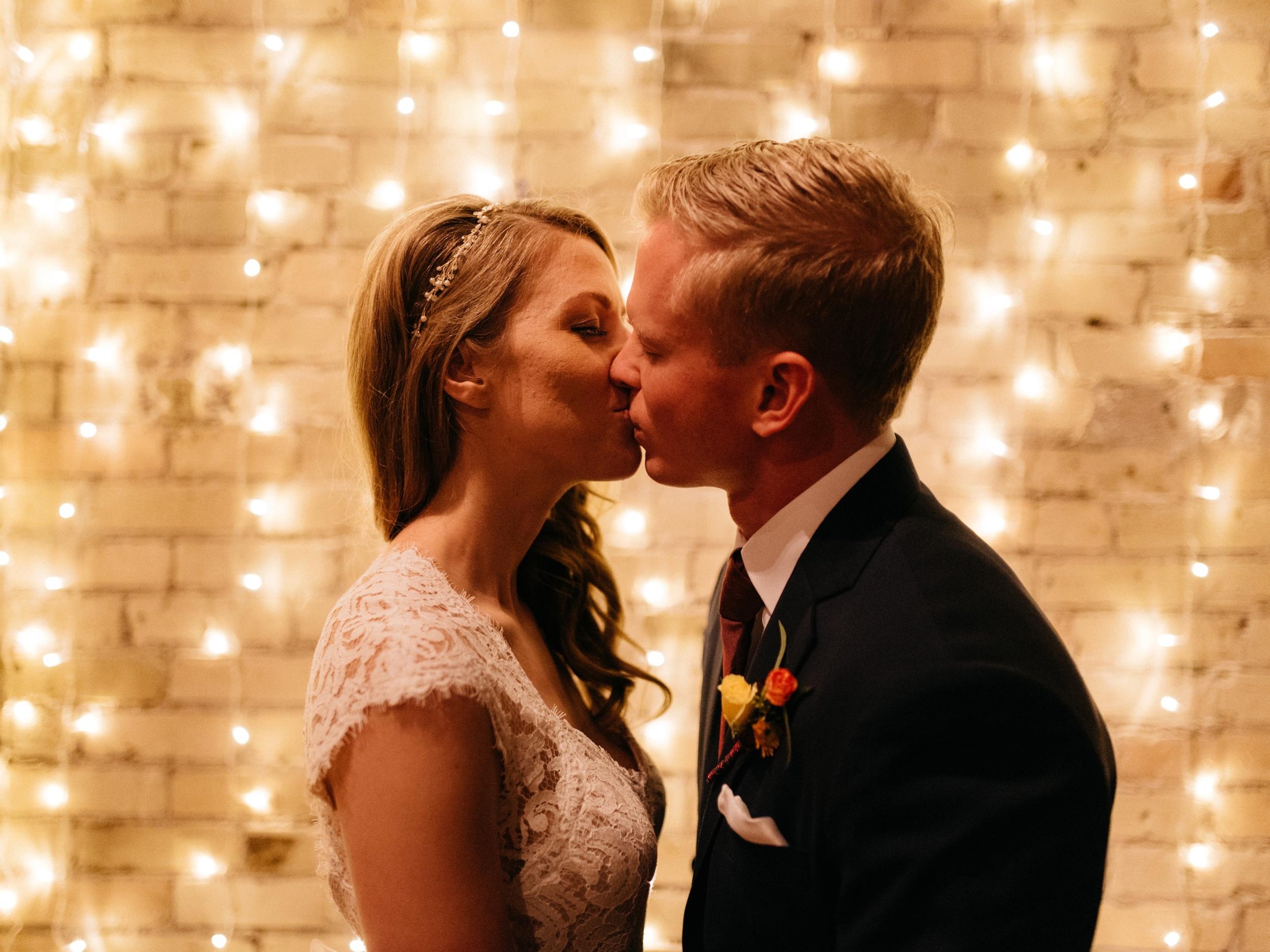 Onesto Wisconsin Milwaukee Wedding Photographer_0044.jpg