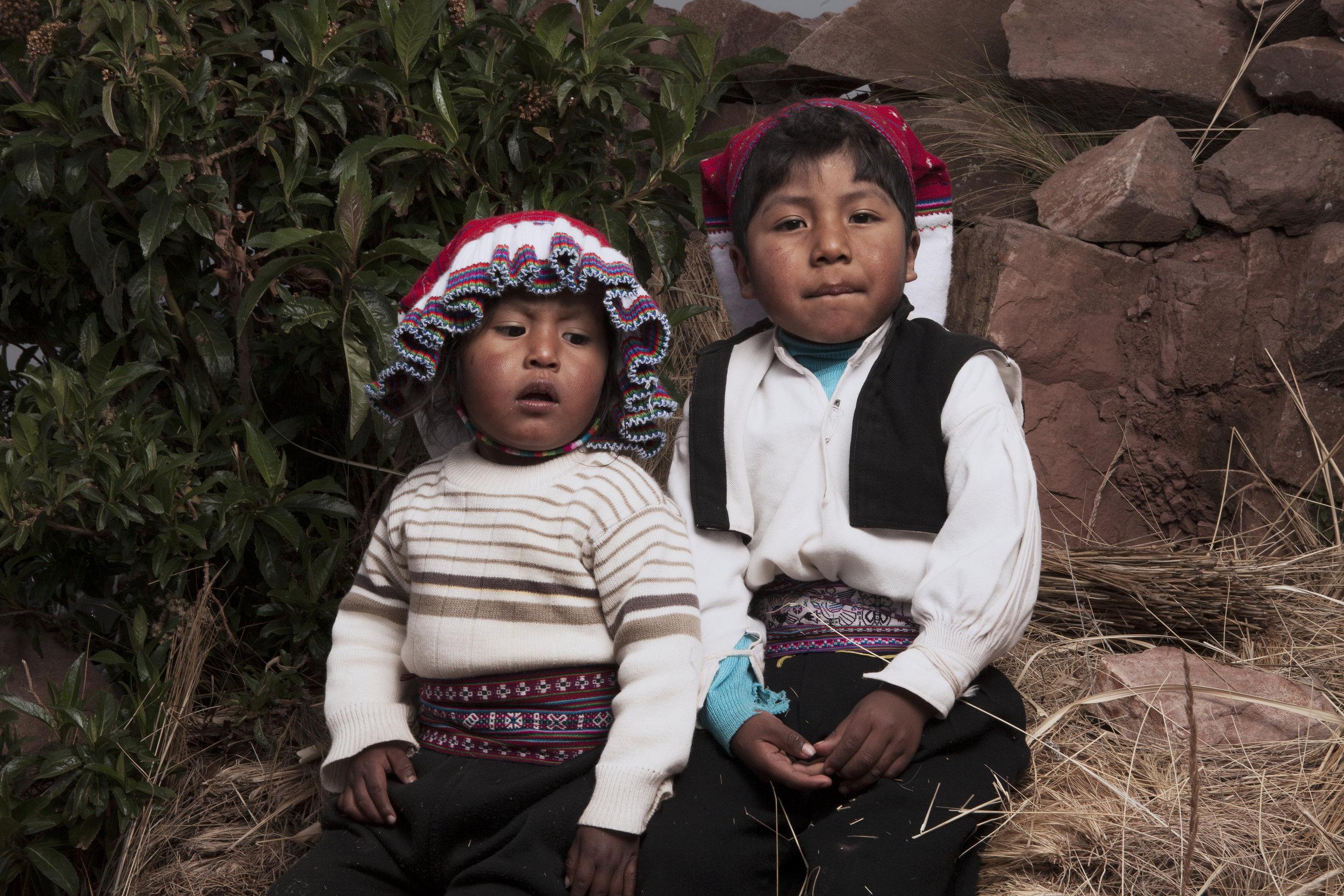 uros children/peru