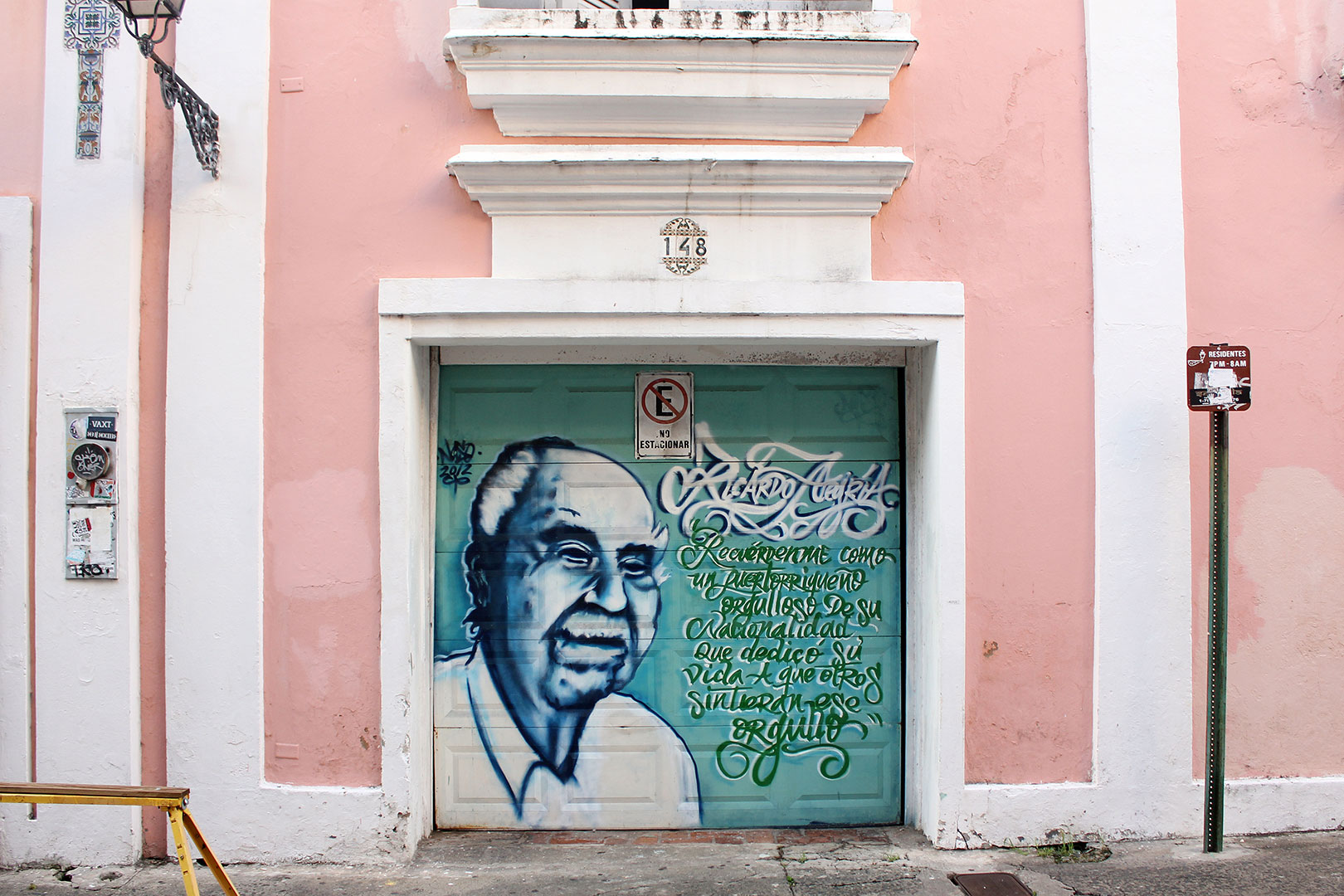 This is a mural of the beloved Ricardo Alegría, who was primarily responsible for restoring and renovating historical Old San Juan. Alegria was also a Puerto Rican archaeologist, and cultural anthropologist.