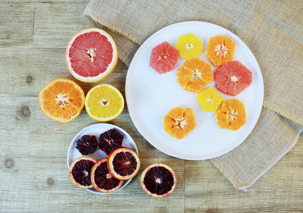 Alternate the different citrus fruit as you plate in color and size.