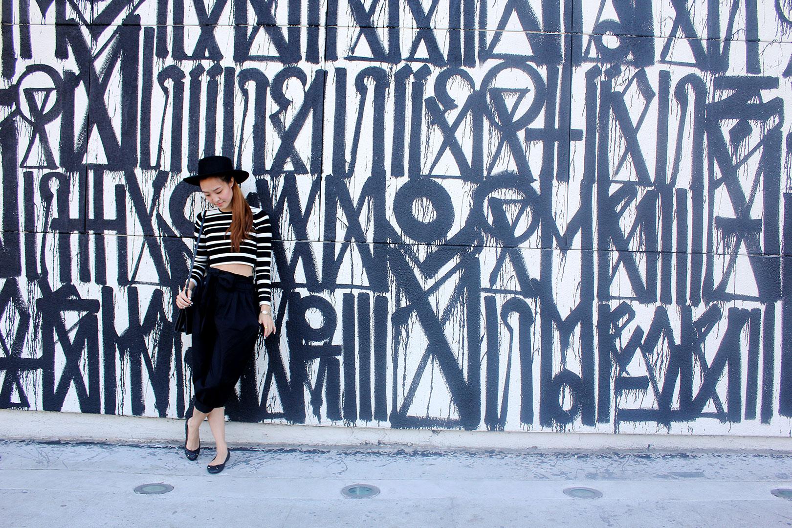 Retna graffiti, Hat by Stylenanda, Kinsley crop top, Zara flats