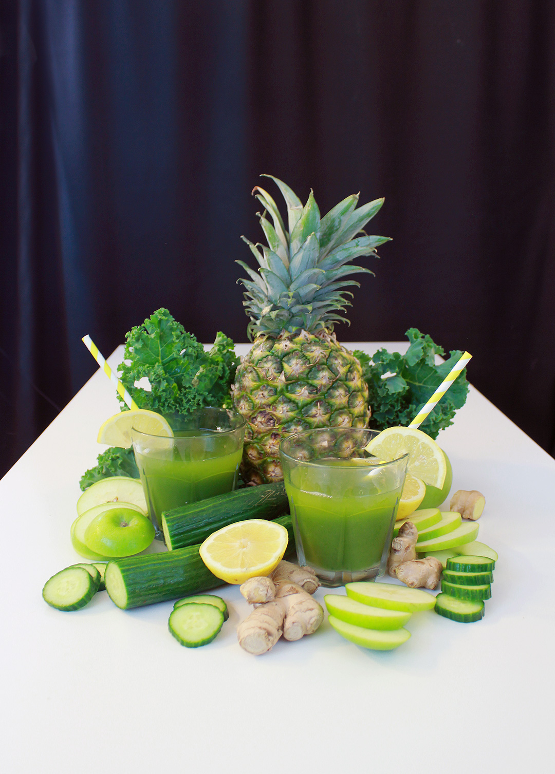 Gradients of green and yellow for a healthy and delicious pineapple green juice!