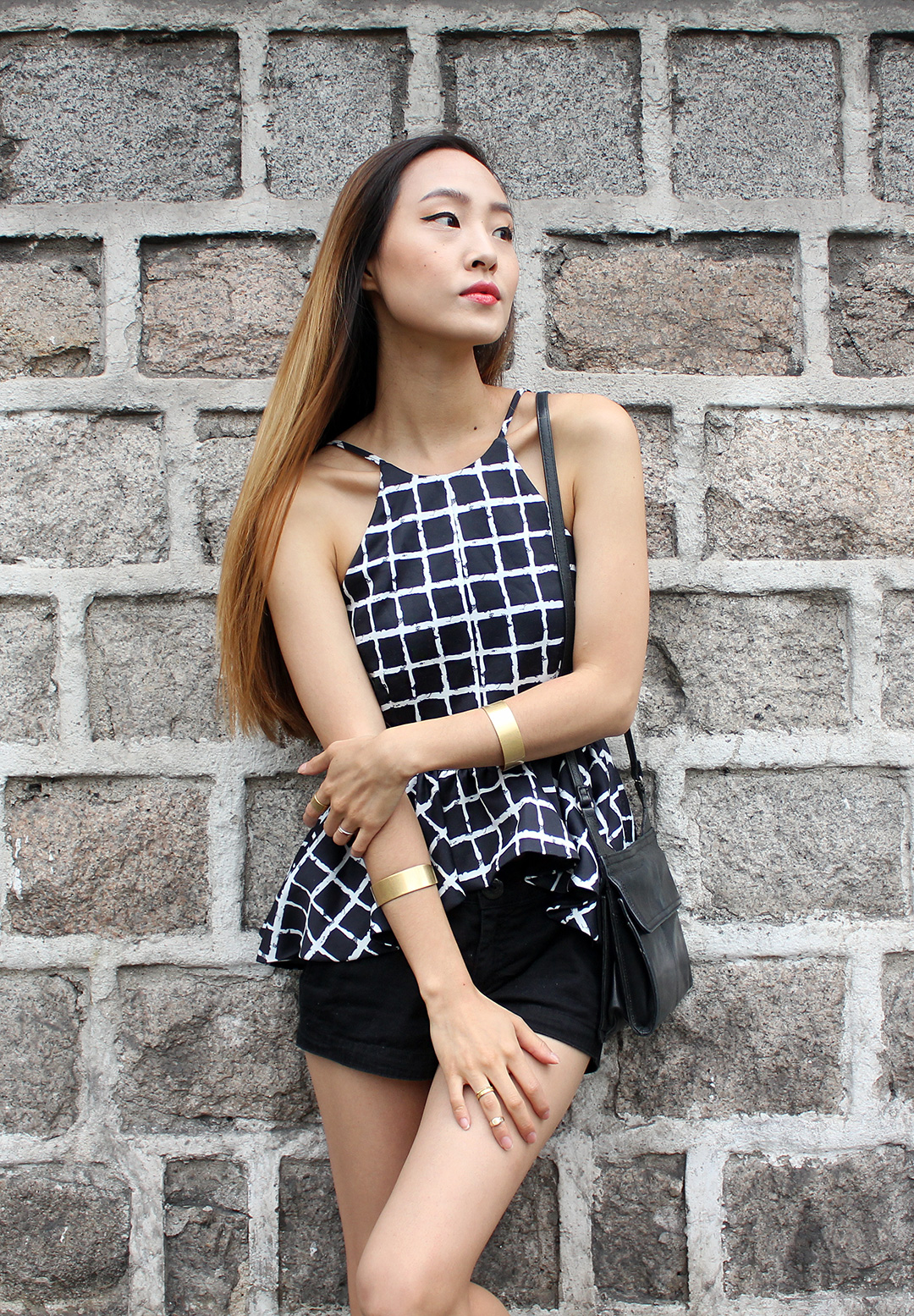 Top by Tobi, bracelets by Madewell, shorts by H&M, bag by Fossil