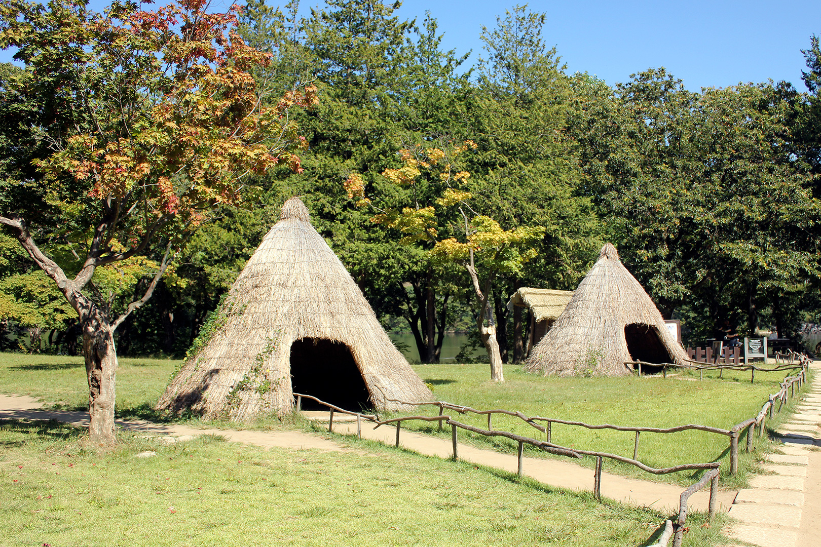 Archaeological evidence of ancient human tribal life was found on Nami Island. These are replicas of the type of straw dome housing that was used for housing.