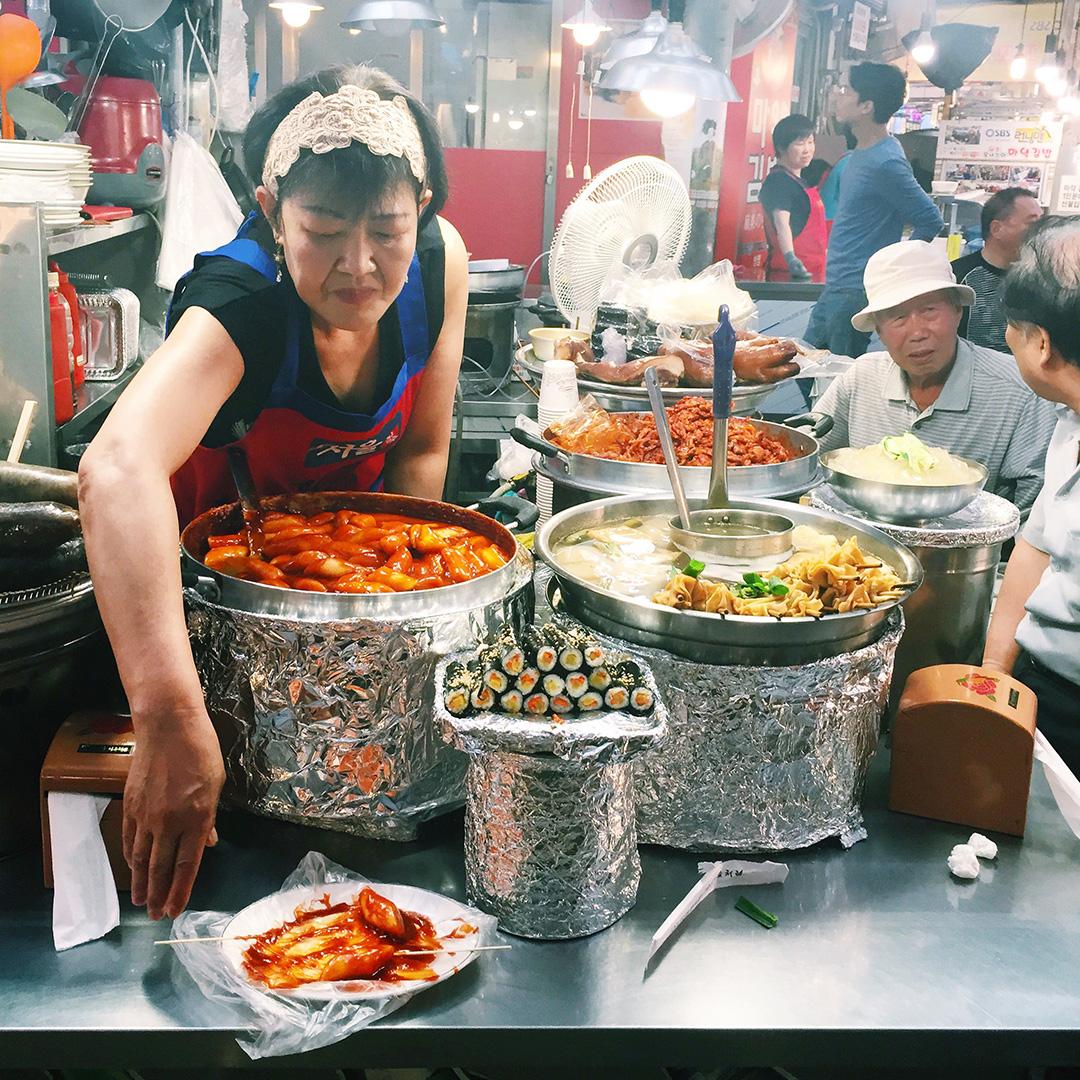 Spicy ddukbokki, mayak kimbap, and fish cake soup
