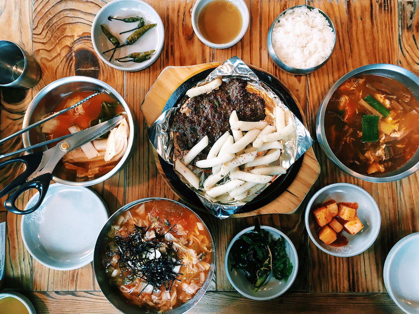 """Nunnamujip (눈나무집)  Info: Nunnamujip, translated as """"Snow Tree House,"""" is famous for their kimchi mariguksu noodles and their ddukgalbi with rice cakes. It's been about six years since my last time here, and my belly was glad to be back! Address:20-8 Samcheong-dong, Jongno-gu, Seoul, South Korea  서울특별시 종로구 삼청로 136-1 (삼청동)    Website"""