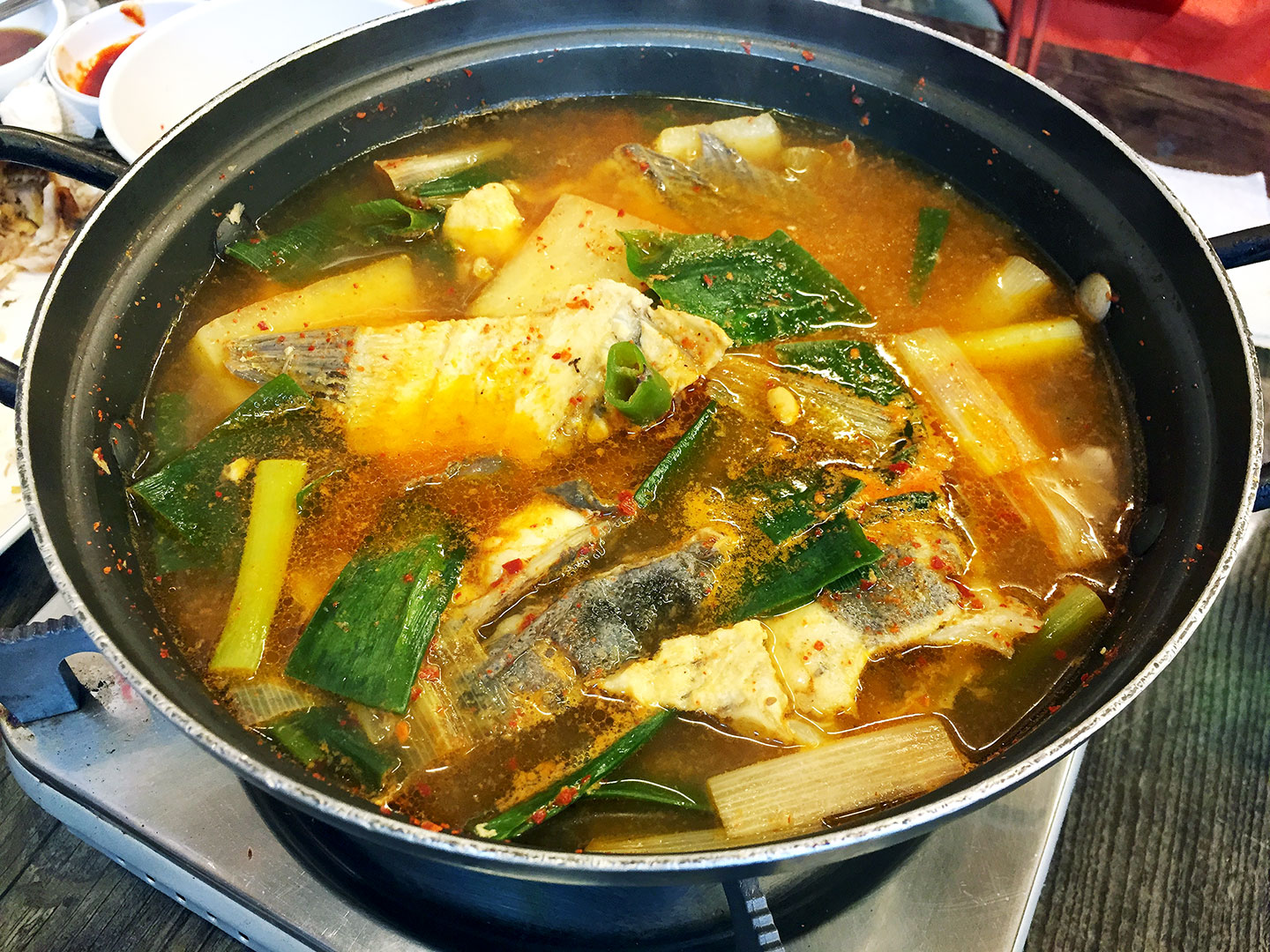 When you order fish from the Jagalchi Fish Market, you can ask them to cook it as a spicy fish soup called maeuntang (매운탕).