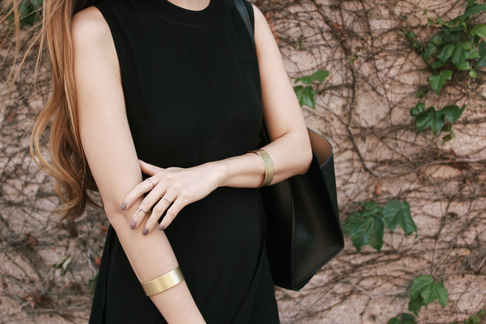 Madewell bracelet, rings from a boutique in Seoul