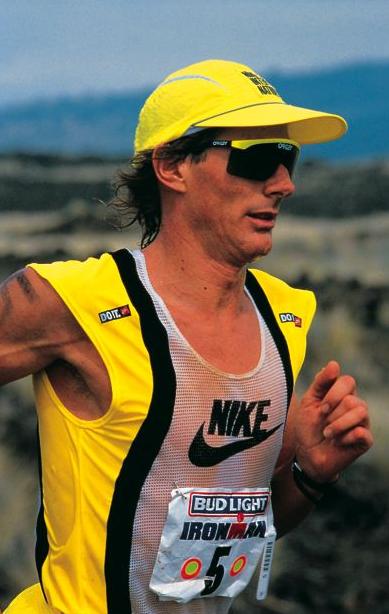 Mark Allen running in the famous Iron War of 1989. Photo: Lois Schwartz
