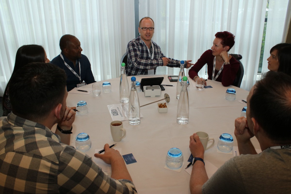 Running a Round Table discussion with Voiceovers at VOX 2016