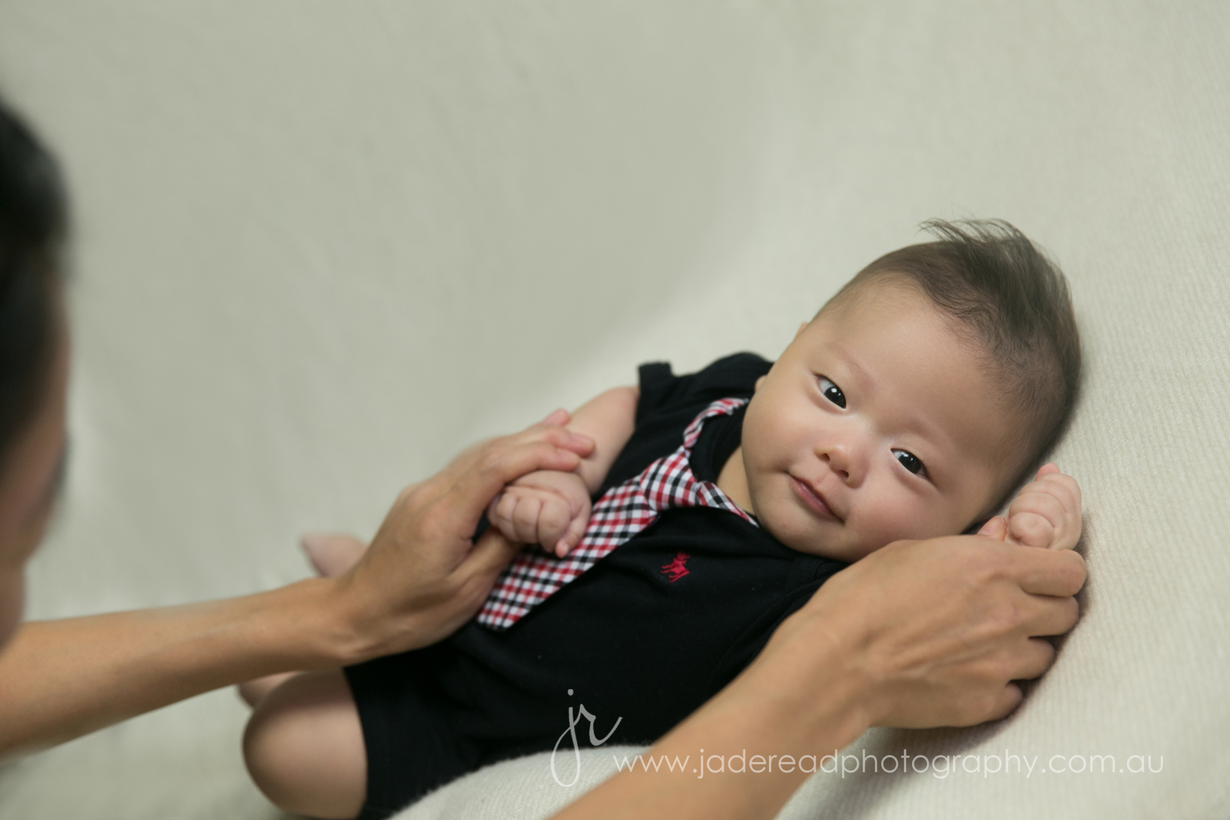 gold coast baby photographer 100 days japanese korean newborn photos jade read photography