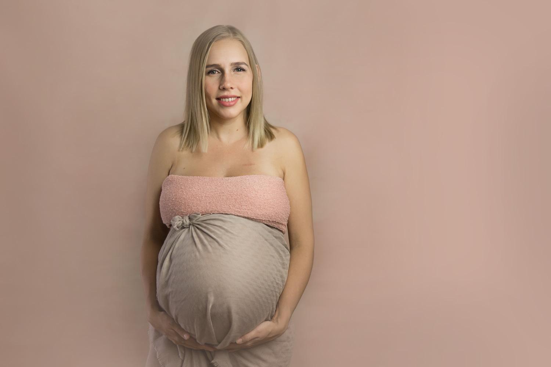 pregnant maternity Newborn Photographer Gold Coast Baby Photography Upper Coomera Children's Photos Jade Read Photography