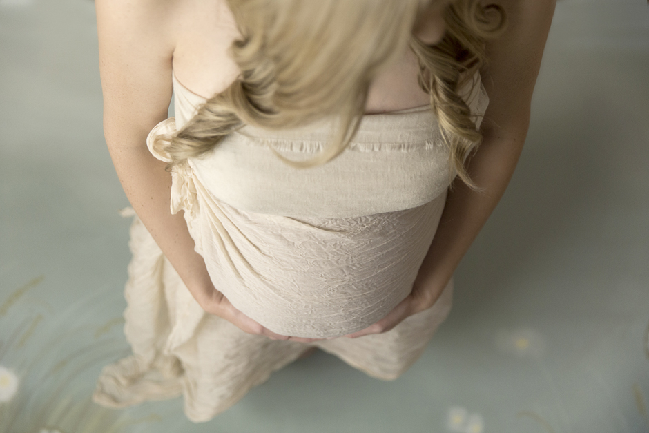 maternity pregnancy portrait photography session gold coast baby belly