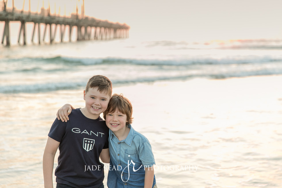 family photos on the beach gold coast family photographer jade read photography