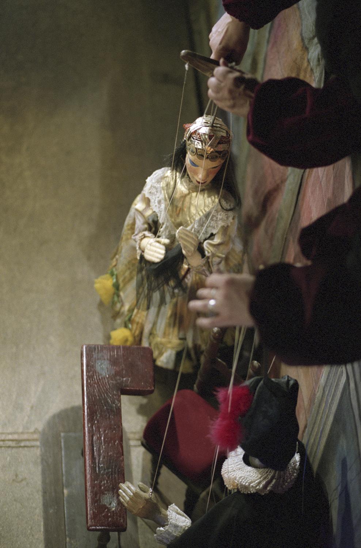 Puppets_013_300dpi_1500.jpg