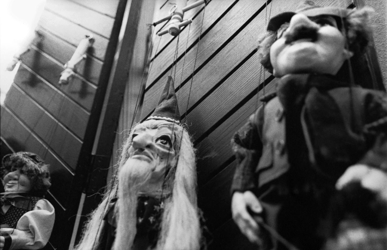 puppets_800dpi_01019_300dpi.jpg