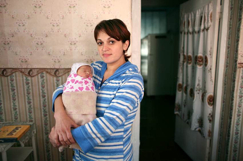 Lena and baby Yasmin, Gnivan, 2007, Ukraine.