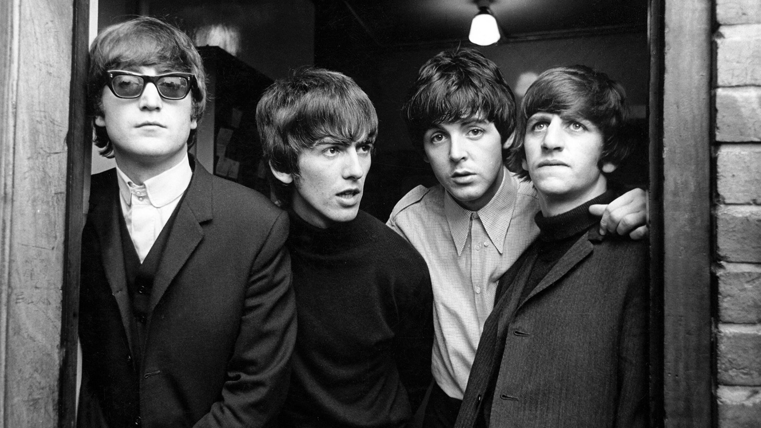 the-beatles-1965-bw-billboard-1548.jpg