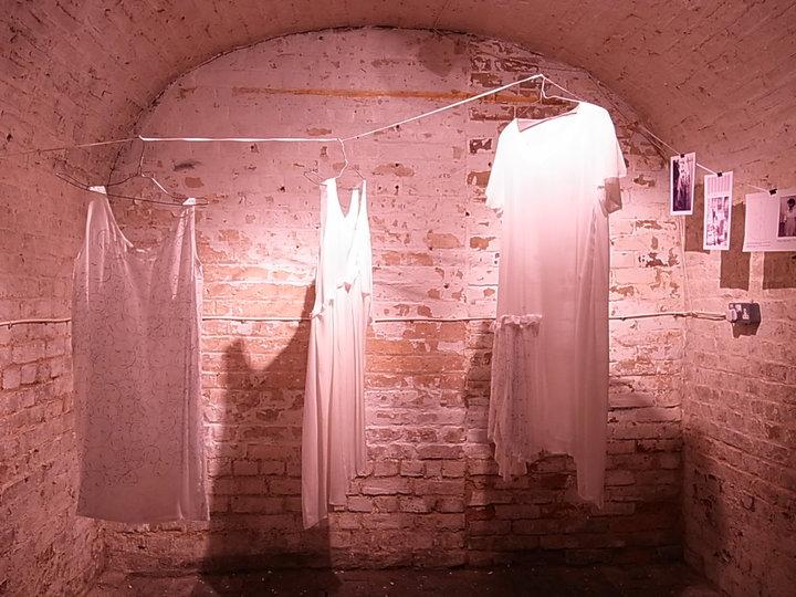 crypt2.jpg