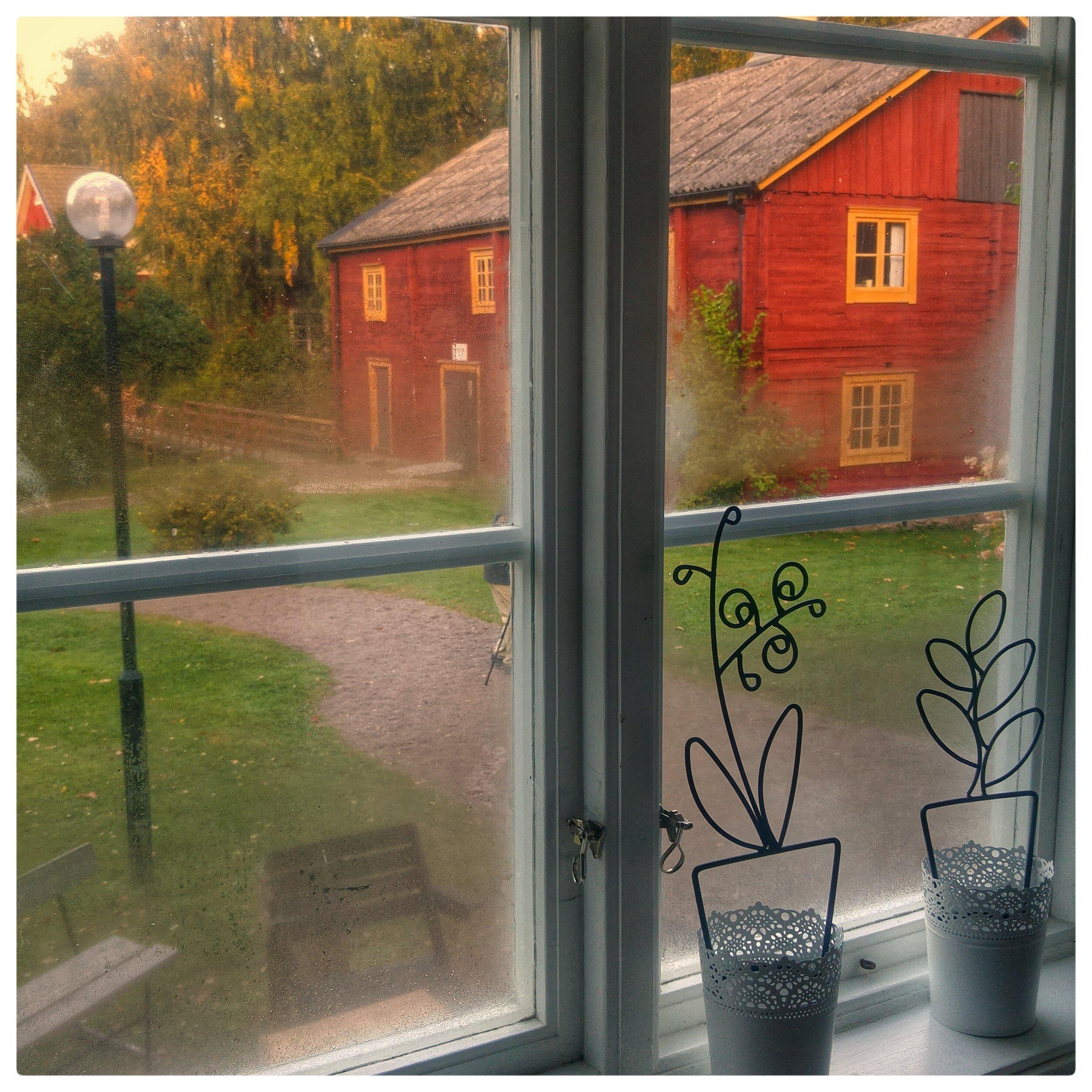 September 18 -Day 262: Morning away from home