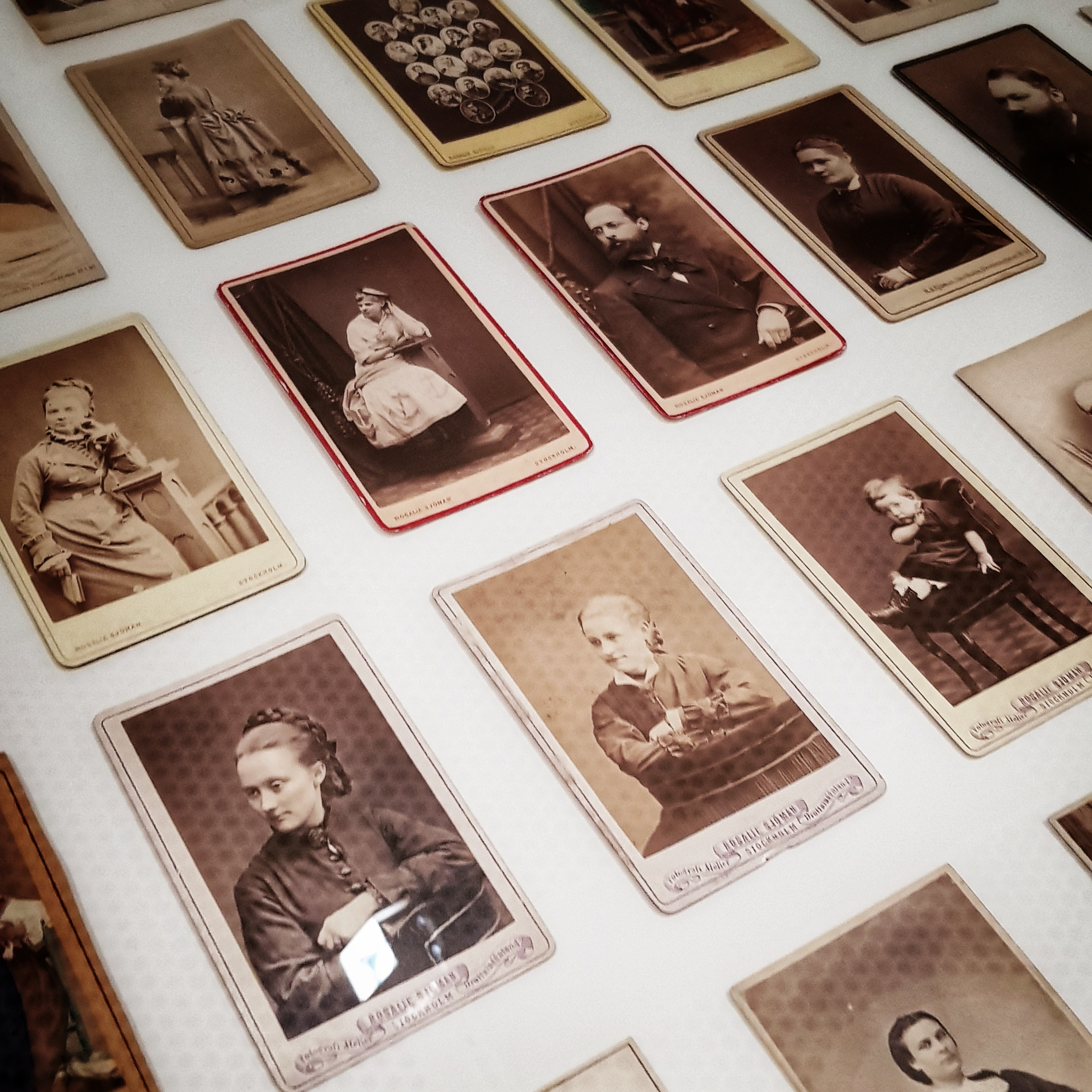 Day 170 - June 19: Exhibition with old portrait cards