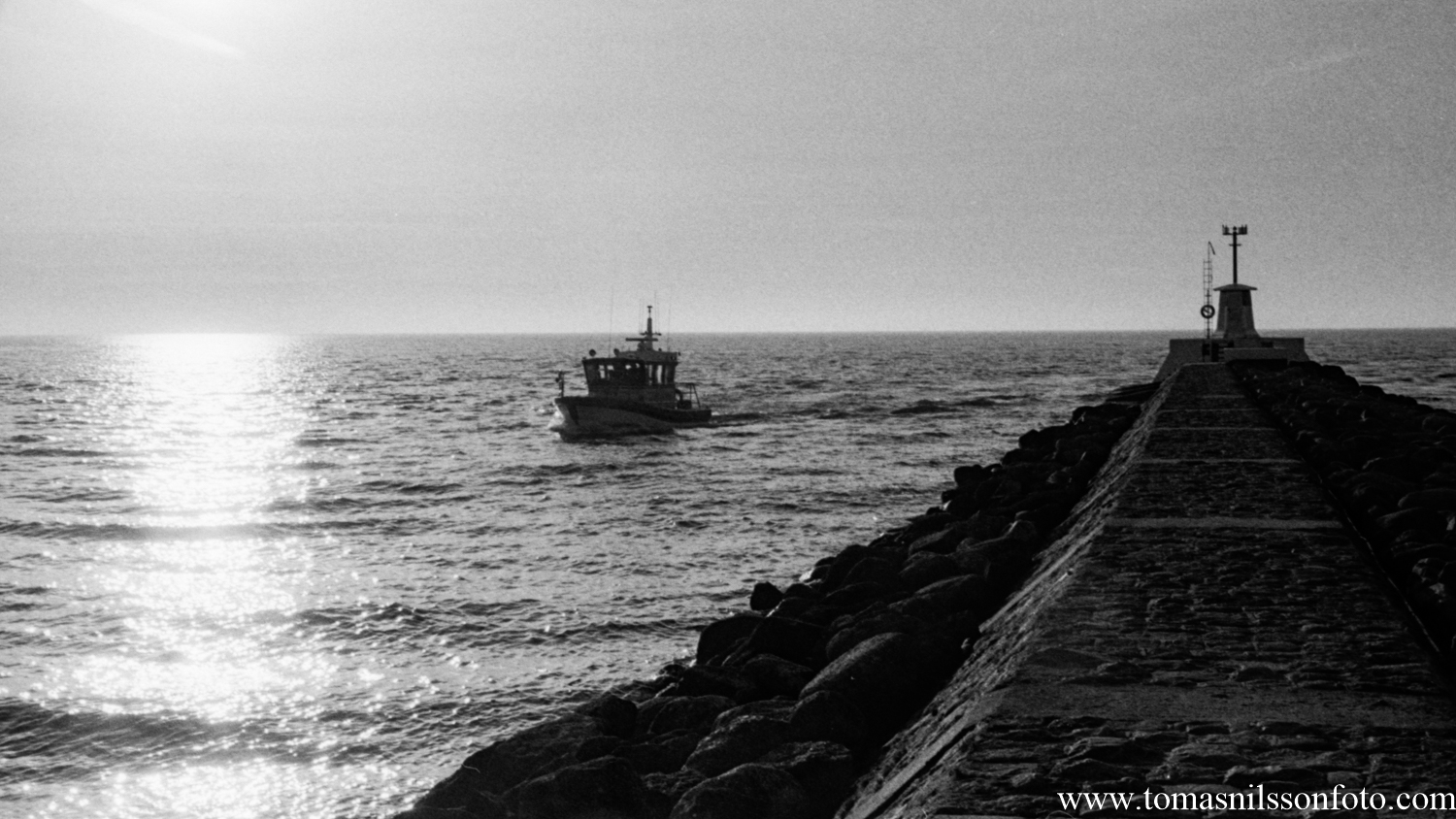 The volunteer rescue boat coming in from the ocean. From what I could see they didn't bring anyone in…thankfully.