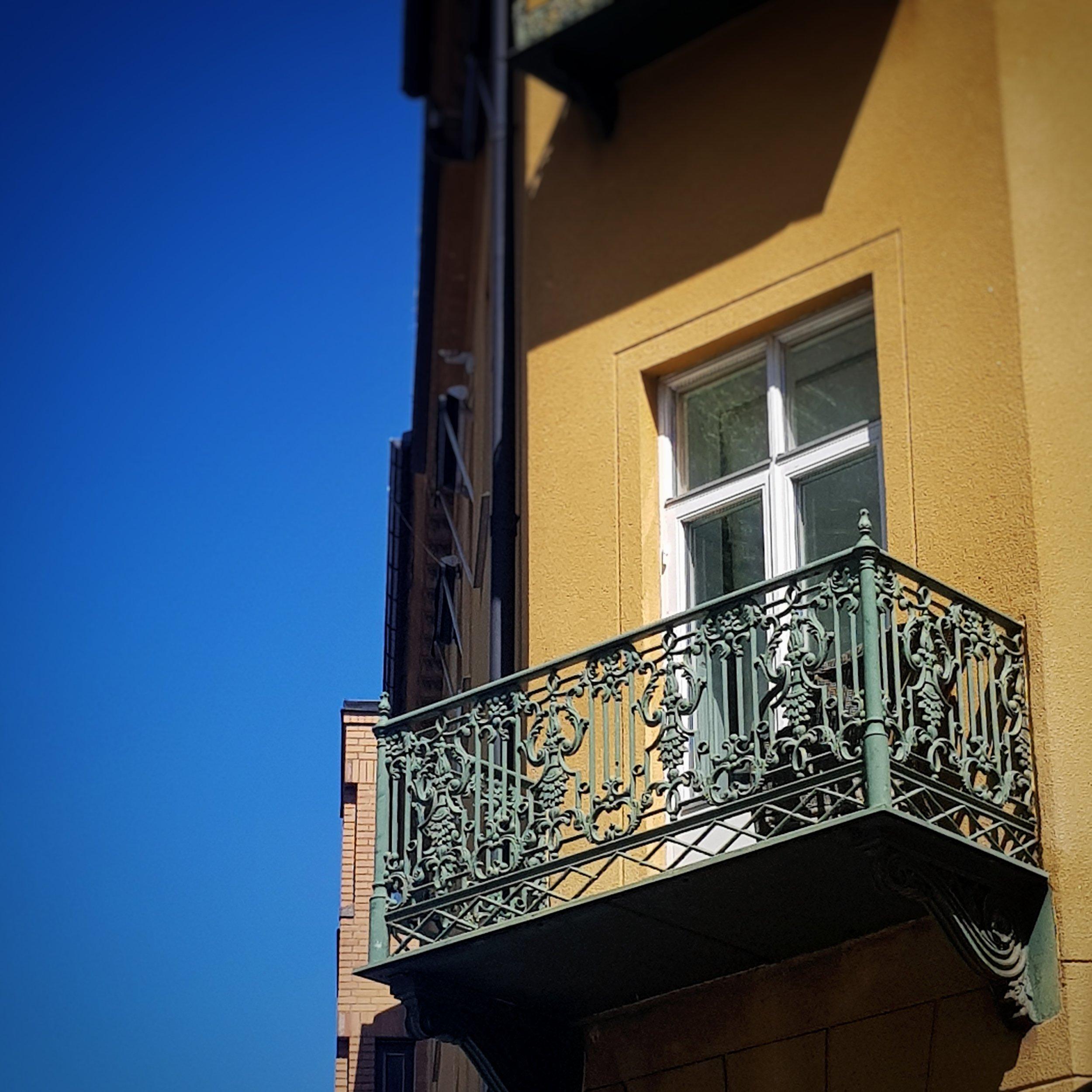 Day 186 - July 5: Balcony
