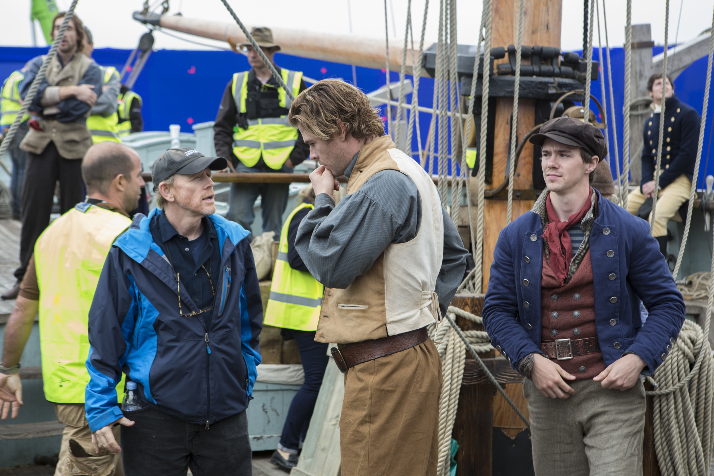 """Ron Howard directing Chris Hemsworth in, """"The Heart of The Sea"""""""