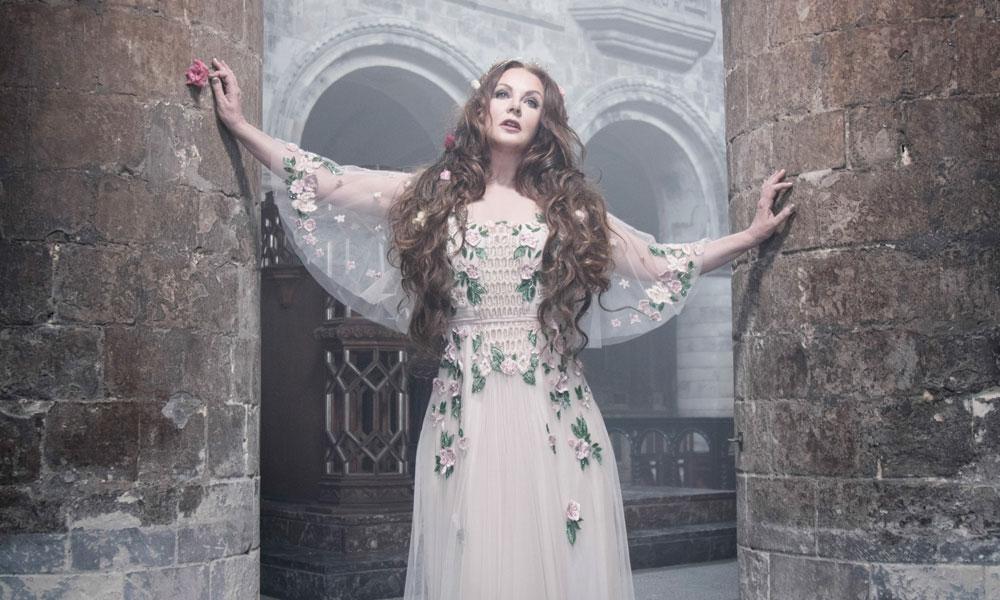 Sarah-Brightman-Hymn-Press-Shot-Web-Optimisd-1000-CREDIT-Simon-Fowler.jpg