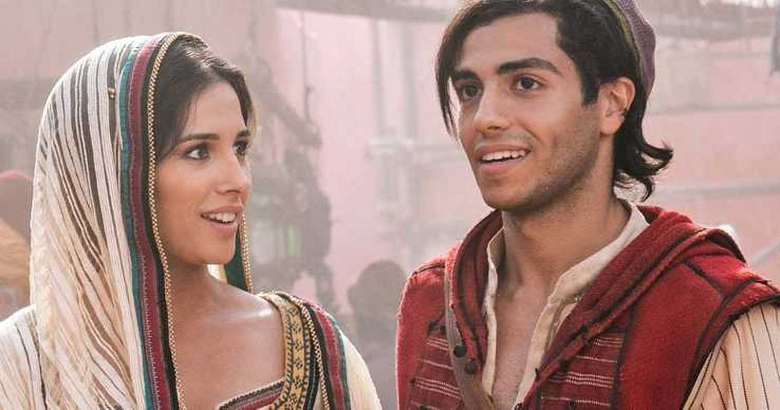 Naomi Scott ( Jasmine) and Mena Massoud (Aladdin)