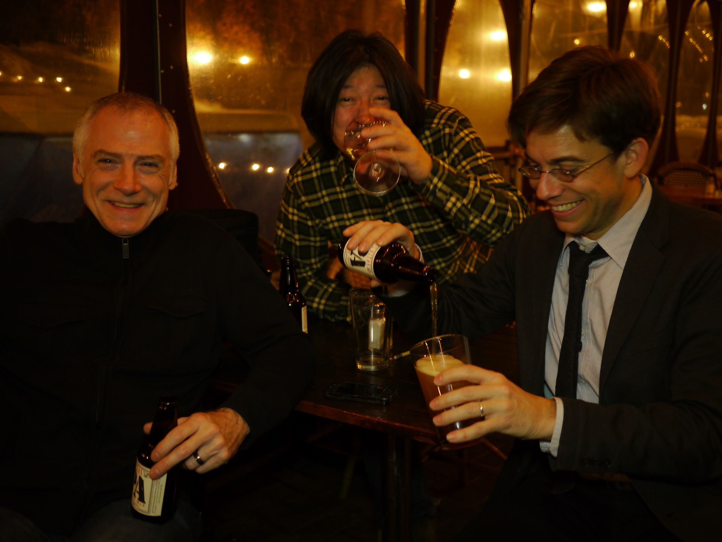 Set break at The Garden Cafe in NYC  – (L to R) Kirk Driscoll, Gaku Takanashi, Paul Hemmings.