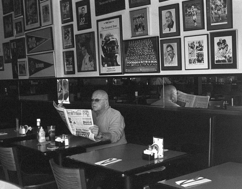 2006-11- 11 man in cafe++.jpg