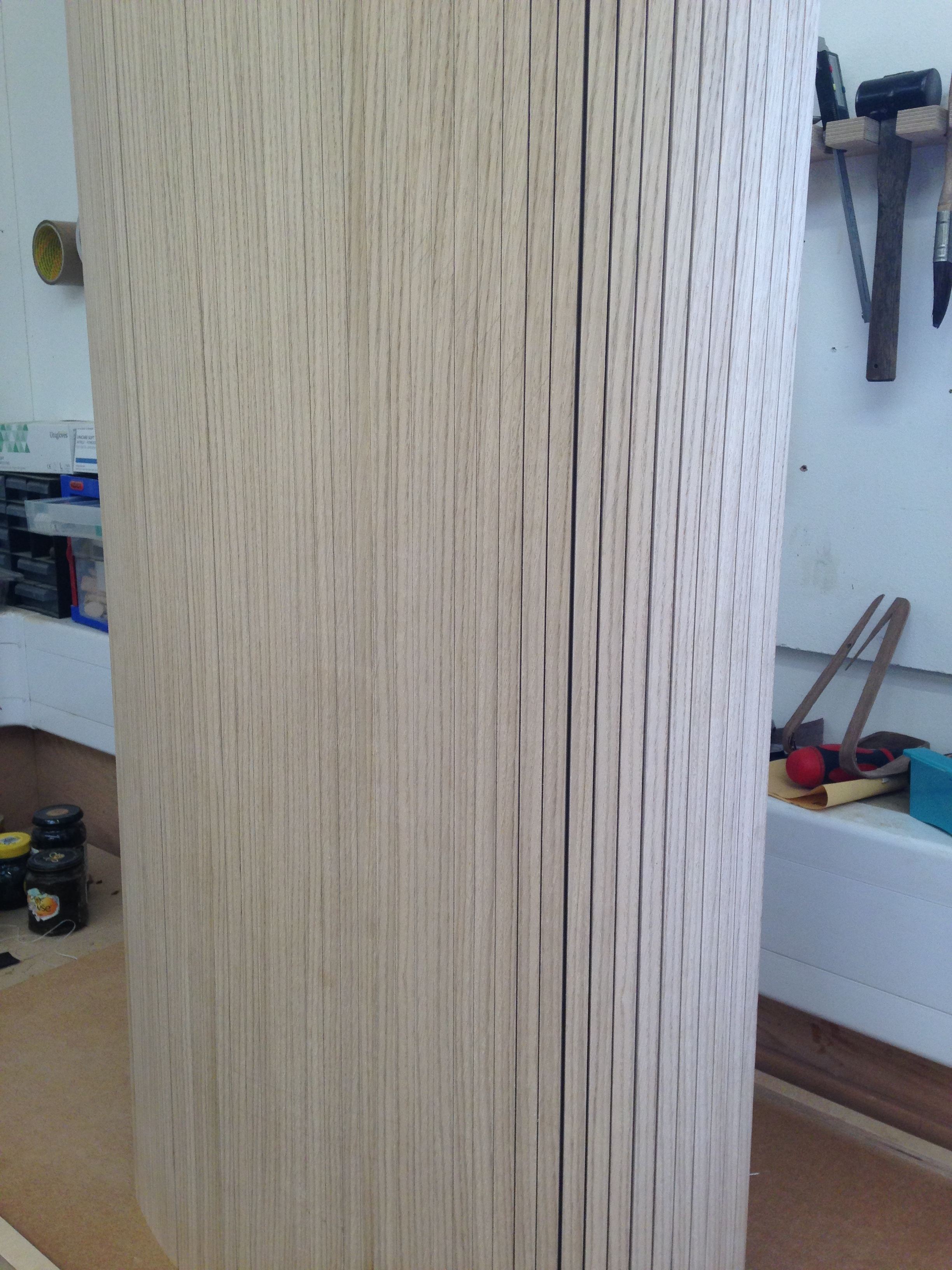 Tambour with a slight reveal