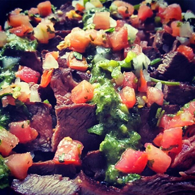 Grilled flank steak with chimichurri sauce and pico de gallo #cheftony #elevatefood #100daysofcleaneating #chicagofoodpic #instapic #instafood #foodie #chicagofoodie #chicagofoodscene #foodpic #healthyeating #cleaneating #eatright #eathealthy #eatclean #dinner #🍴#nofilter