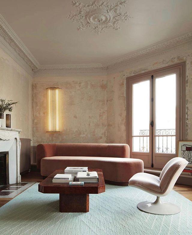 Anybody else curling up on their pink velvet sofa rn? (Design by @diego_delgadoelias for @lesheroinesofficial, @vogueliving)
