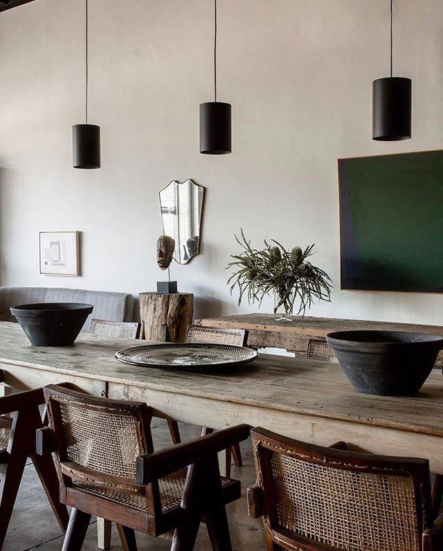 Chic inspo via @galerie_half. . . . . #kfineconcepts #galeriehalf #farmtables #pierrejeanneret #showroomdesign #tablescapestyling #losangelesdesigner