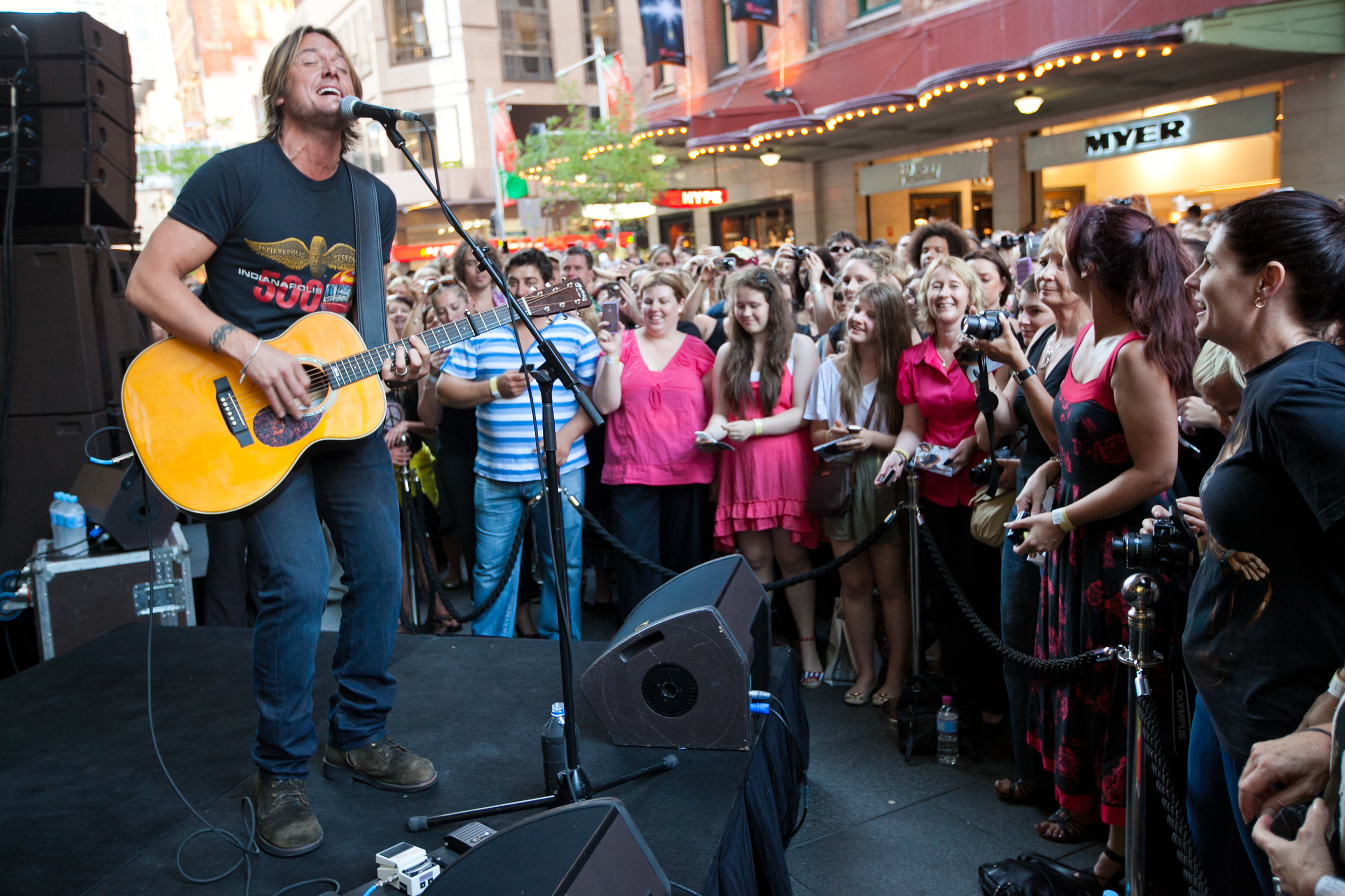 Keith Urban performs in Pitt St Mall
