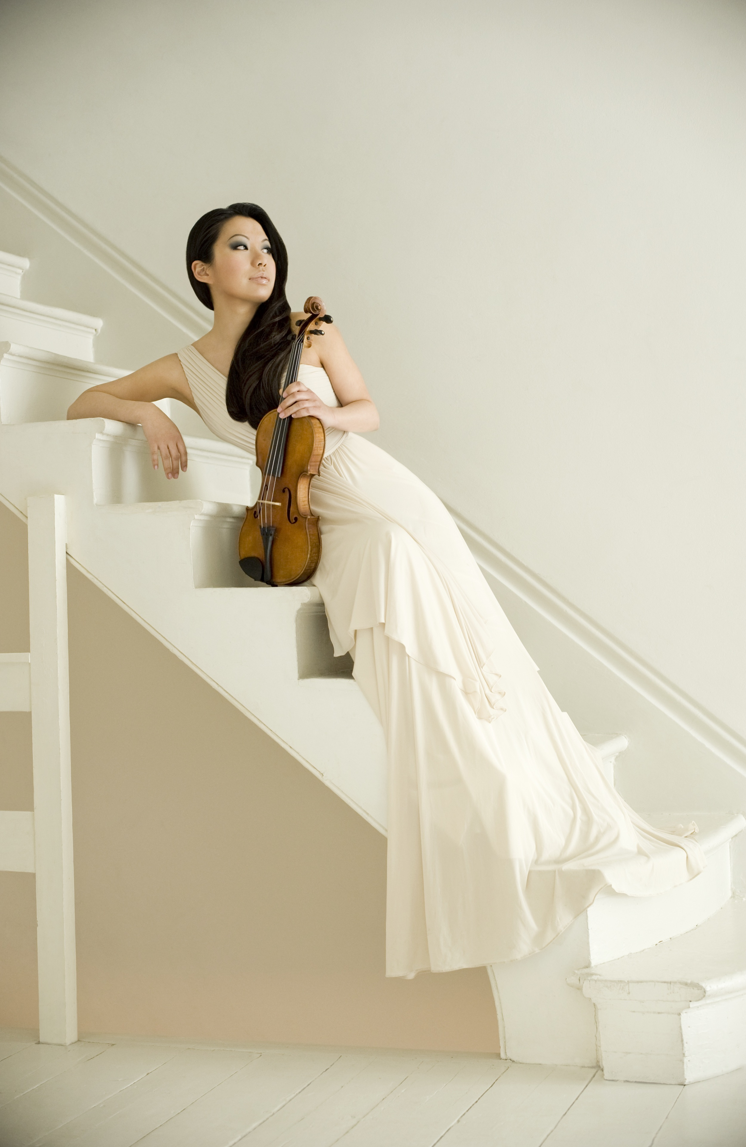 Sarah Chang. Photo copyright Colin Bell under license to EMI Classics.