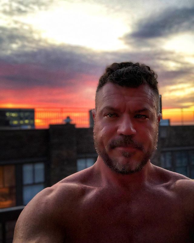 Tuesday night balcony sunset. #balconygarden #chill #redatnight
