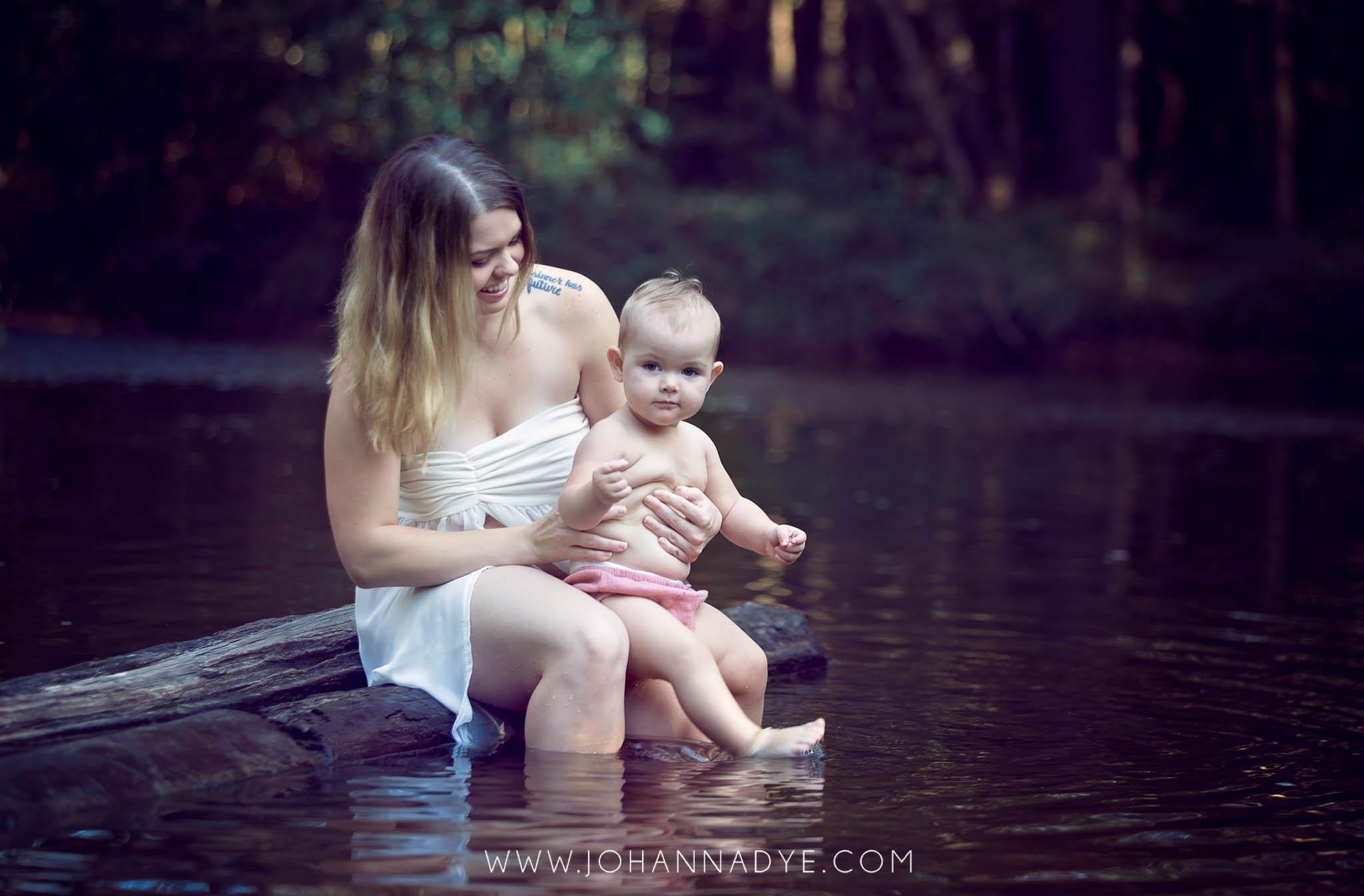 Breastfeeding Photography Session in Fayetteville North Carolina - Johanna Dye
