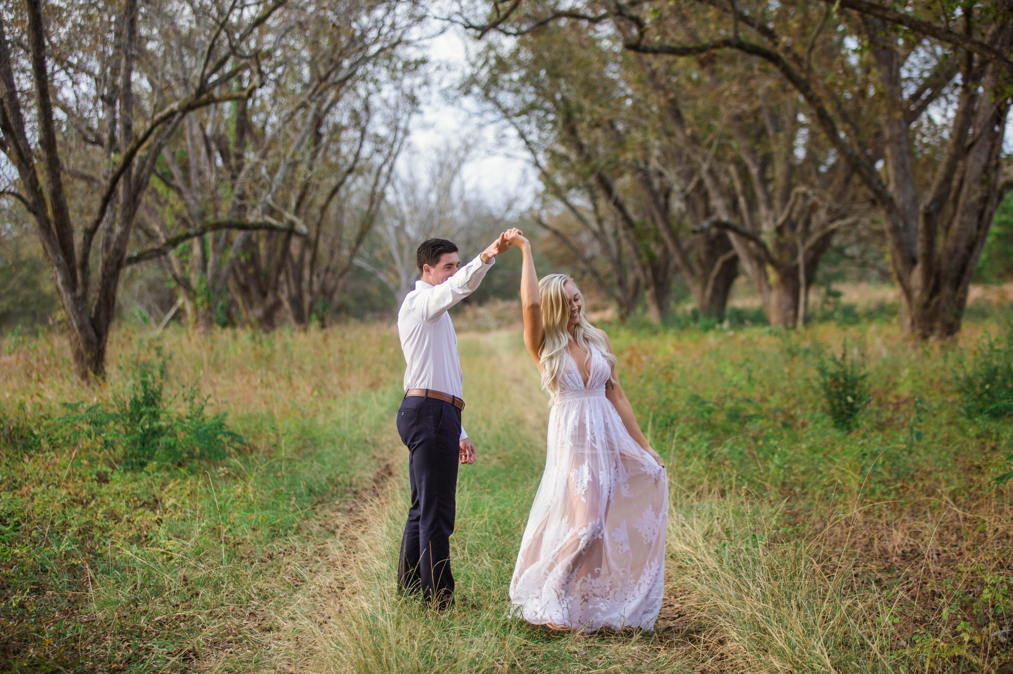 Engagement+Photography+Session+in+a+cornfield+in+fayetteville+north+Carolina+-+Johanna+DYe+Photographer+6.jpg